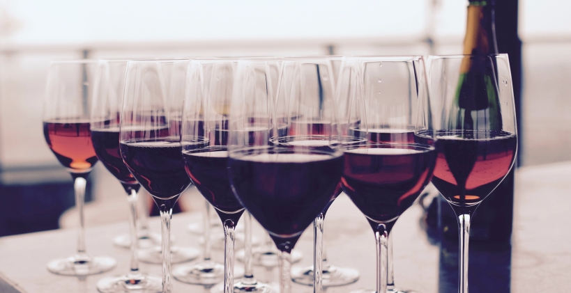 red wine lots of glasses
